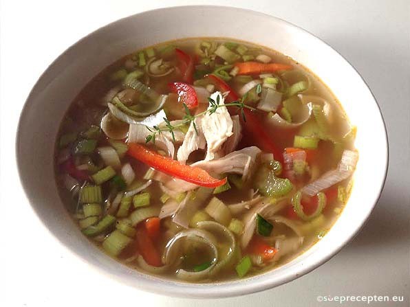 kippen groentesoep maken